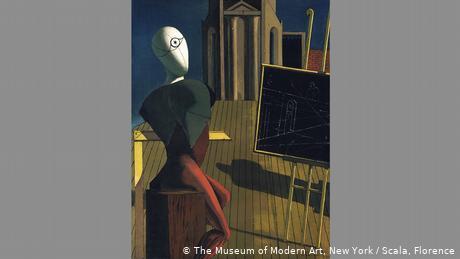 Ένα από τα πιο σημαντικά έργα του Ντε Κίρικο είναι Ο μάντης από το 1914/15, ένα έργο από την εποχή του καλλιτέχνη στο Παρίσι. Μια ανθρώπινη κούκλα κάθεται μπροστά από ένα καβαλέτο σε κεκλιμένο επίπεδο. Και αυτή η αποτύπωση είναι επίσης αινιγματική: Γιατί αυτή η παράλογη προοπτική; Ποια είναι αυτή η απρόσωπη φιγούρα; Είναι ο ίδιος ο καλλιτέχνης;